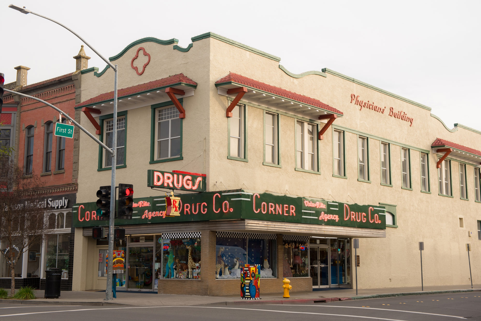 A photograph of Corner Drug in Woodland CA